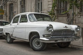 Old soviet car in baku azerbaijan — Stock Photo