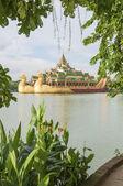 Royal barge in yangon myanmar — Stock Photo