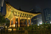 Temple of central seoul south korea at night — Stock Photo