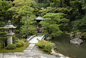 Traditional japanese landscaped garden in kyoto japan — Stock Photo