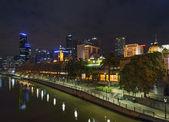 Panorama melbourne v noci v austrálii — Stock fotografie