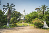 Wat Phnom landmark in Phnom Penh Cambodia — Stock Photo