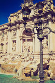 Fontana di trevi, look retrò di roma — Foto Stock