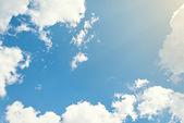 цвет фона. красивое голубое небо с облаками — Стоковое фото