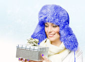 Beautiful woman in a warm hat — Stock Photo