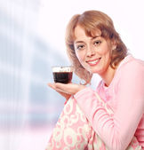 Young woman drinking morning coffee — Stock Photo