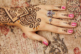 Henna art on woman — Stockfoto