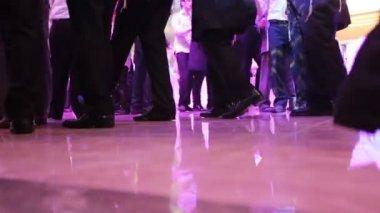 在犹太婚礼上跳舞 — 图库视频影像