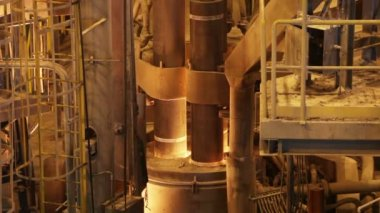 Melting of steel and lifting rods in Electroarc furnace at the metallurgical plant — Stock Video