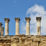 Ancient columns of the Roman temple in Cordoba — Stock Photo #15620529