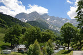 Summer view of the village Gavarnie — Stock Photo