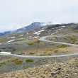 Serpentine road in the spring Sierra Nevada — Stock Photo