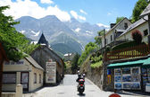 Mountain village Gavarnie in the Pyrenees — Stock Photo