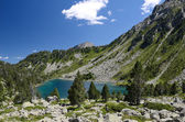 Mountainous lake Les Laquettes in the French Pyrenees — Stock Photo