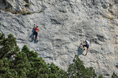 Climbers on the sheer rock — Foto Stock