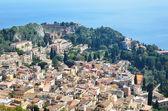 Ancient town Taormina on the Sicilian coast — Stock Photo