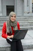 Young asian muslim businesswomen in head scarf — Stock Photo