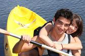 Couple kayaking — Stock Photo