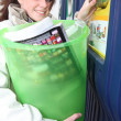 Woman recycling — Stockfoto