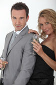 Couple buvant du champagne — Photo