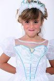 Dziewczynka na sobie suknię księżniczki — Zdjęcie stockowe