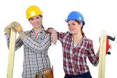 Constructeurs femelles avec bois — Photo
