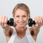 žena cvičit s činkami — Stock fotografie