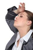 Genç iş kadını vurguladı — Stok fotoğraf