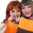 Young women shopping — Stock fotografie