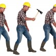 Man using hatchet — Stock Photo