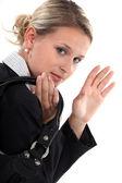 Affärskvinna vinka adjö — Stockfoto