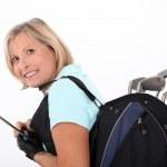 mulher sênior com um equipamento de treino de golfe — Foto Stock