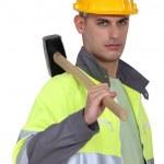 Arbeiter, die Durchführung einer Holzhammer — Stockfoto