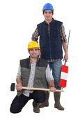 Two manual workers — Stock Photo