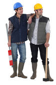 Two friendly male builders — Stock Photo