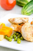 Portion of chicken white meat and vegetables — Stock Photo