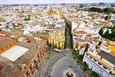 Uitzicht vanaf de toren naar sevilla — Stockfoto