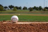 Baseball sul tumulo brocche — Foto Stock
