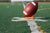 Football americano teed per kickoff — Foto Stock