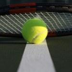 tennisbal en racket — Stockfoto
