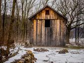 Fatiscente casa vecchia — Foto Stock