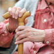 Old woman's hands — Stockfoto
