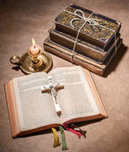 A bible open on a table — Stock Photo