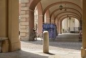 根据旧的商场,busseto — 图库照片