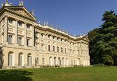 Villa reale zahradní fasáda, Milán — Stock fotografie