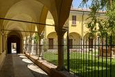 San Giacomo cloister and garden, Soncino — Stock fotografie