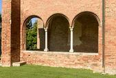 Mullions on church narthex, Abbadia Cerreto — Foto de Stock