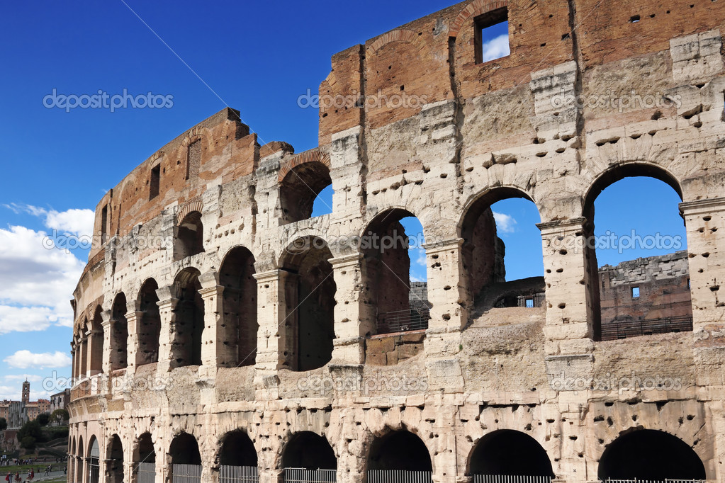 Ancient colosseum amphitheater, Rome, Italy — Stock Photo #12080661