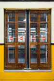 Stängd dörr av urban milano tåg — Stockfoto