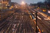 železniční stanice v noci — Stock fotografie